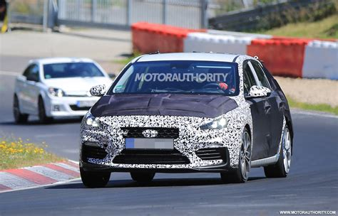 hyundai   spy shots  video