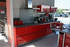 Küche In Rot : h cker musterk che moderne grifflose k che in rot ausstellungsk che in bensheim von k chen mink ~ Frokenaadalensverden.com Haus und Dekorationen