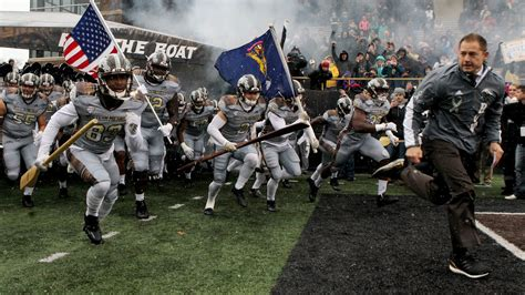Row The Boat Western Michigan by Wmu Pj Fleck Agree To Deal For Row The Boat Trademark