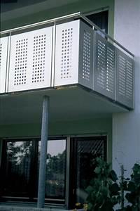 balkon mit gelander kreative ideen fur innendekoration With französischer balkon mit tannenbaum für garten kaufen