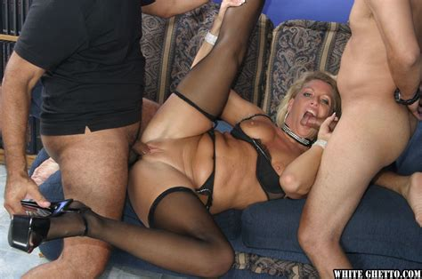 mature Cowgirl Chelsea Zinn Has A Wild Groupsex While In Stockings