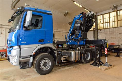 That's if you can afford its equally astonishing £350,000 price tag. Mercedes-Benz Arox 3351 6x6, 2019, 74722 Buchen, Germany - Used crane trucks - Mascus UK
