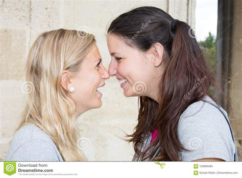 Real Teens Kissing Two Lesbian Pics And Galleries