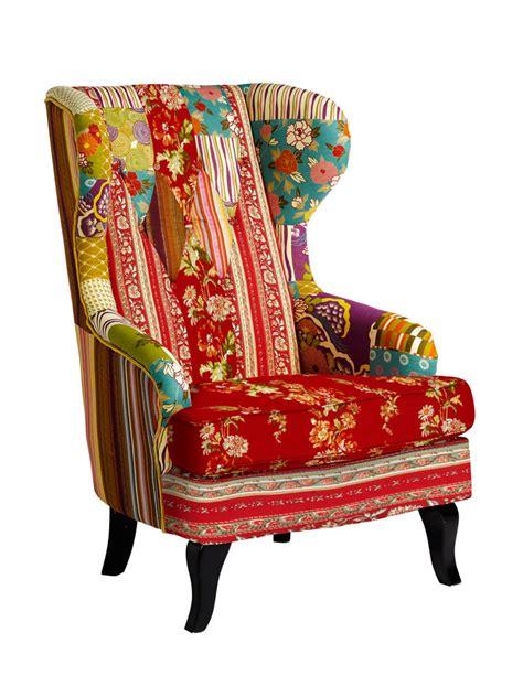 canapé original coloré fauteuil à oreilles original en patchwork coloré chaises