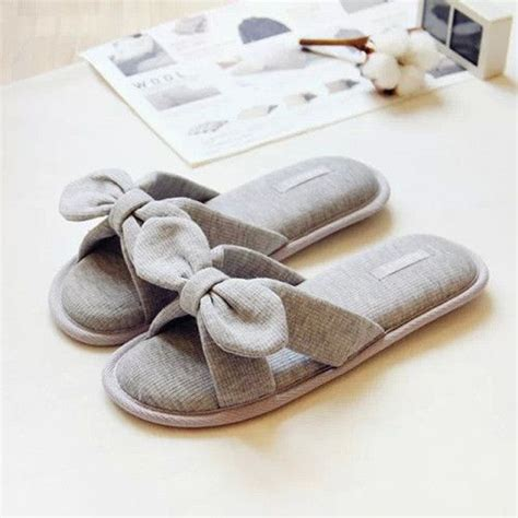 Names Of Bedroom Slippers by 17 Best Ideas About Bedroom Slippers On Sewing