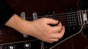 5 Tips When Using a Guitar Pick For Beginners