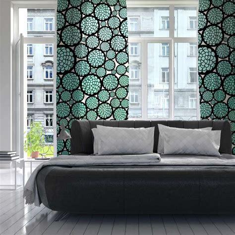 chambre turquoise et noir rideau turquoise en 33 idées exotiques pour chaque pièce
