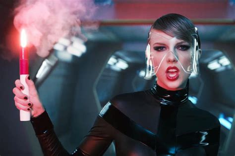 taylor swift debuts bad blood video