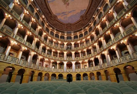 pavia teatro teatro fraschini pavia hotel pavia duca