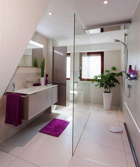 kleines schmales bad unter dachschräge badezimmer dachschr 228 ge bilder ideen