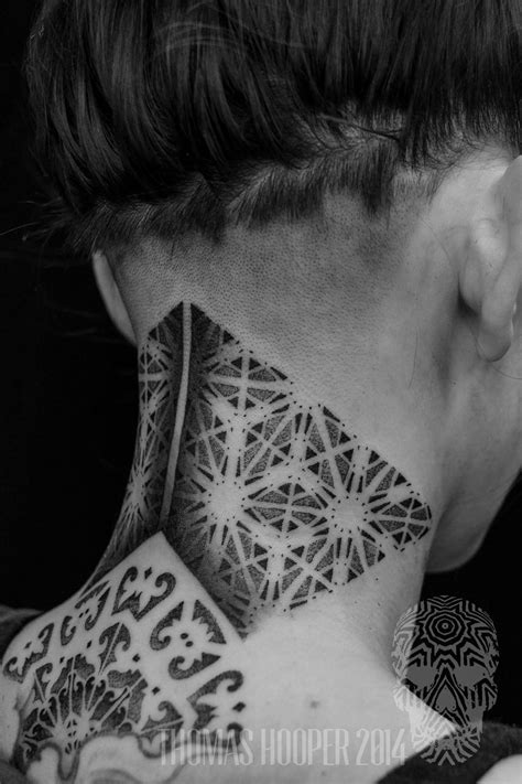 16 Elegant And Bold Nape Tattoos | Tattoodo