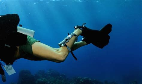 Dive Knives - a diving knife the most vital tool for scuba divers