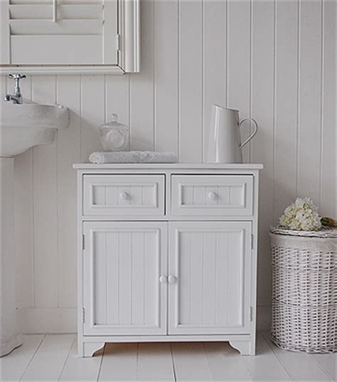 maine bathroom cabinet   cupboards  drawers