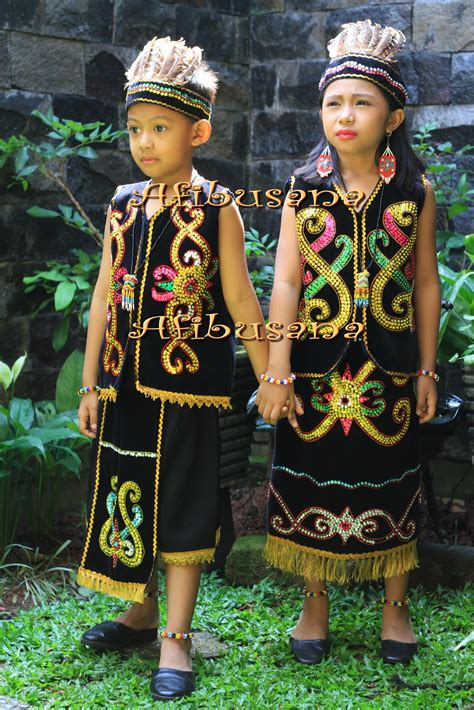 lagu sulawesi barat gambar ciri khas pakaian adat melayu riau foto gambar tradisional batam di rebanas rebanas