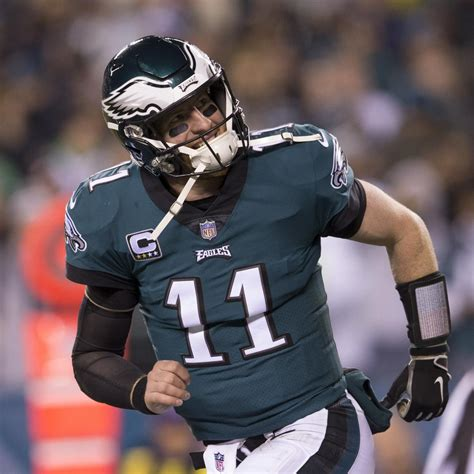 carson wentz eagles agree  historic  year contract
