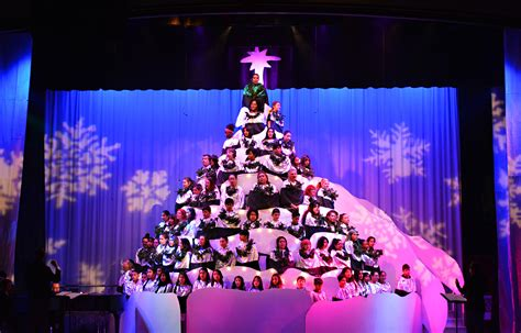 Bellevue Singing Christmas Tree 2015 Dates by 75th Annual Singing Christmas Tree