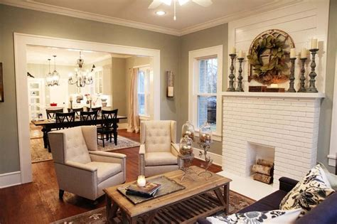 quot fixer upper quot my new favorite show paint colors fireplaces and magnolia homes