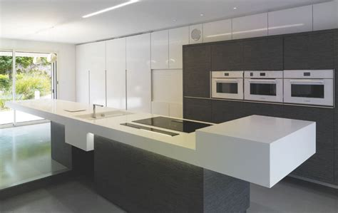 Cucine Corian by Caracteristique Solid Surface