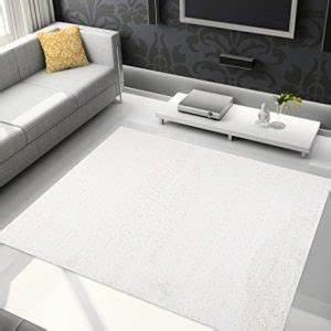 Tapis En Solde : promotion tapis modernes pas cher pour salon tapis discount ~ Teatrodelosmanantiales.com Idées de Décoration