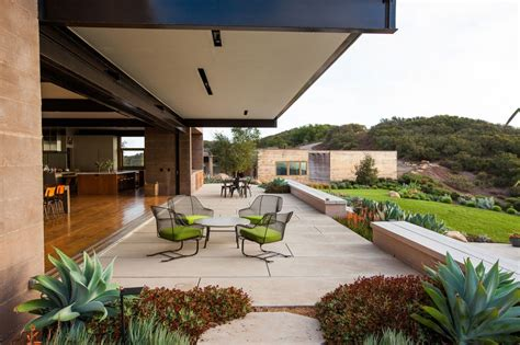 New Patio Designs by Cool Concrete Patio Designs And The Houses They Complement