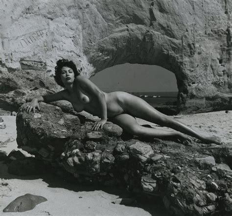 「世界で初めて撮影されたエロ画像」(7枚) ポッカキット