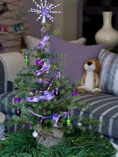 tips for decorating christmas tree mini christmas tree ideas hgtv 9347