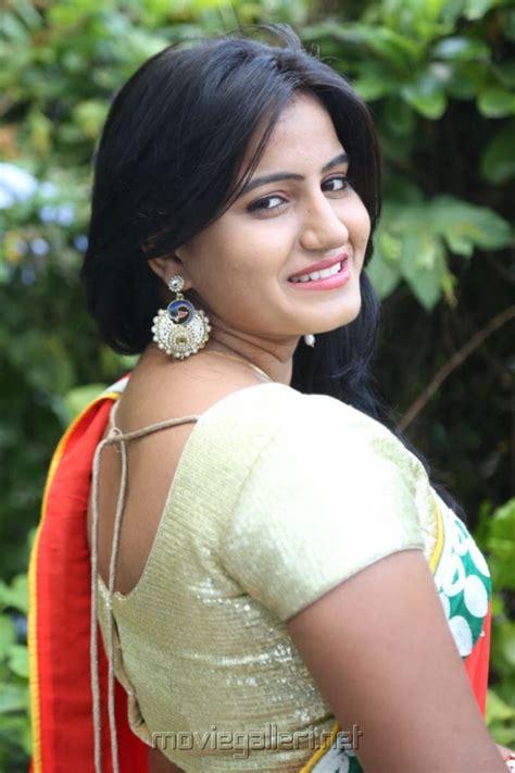 picture  telugu actress tanusha swathi hot  red