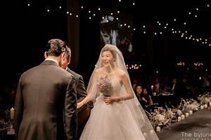 Kim Ha Neul is a stunning bride in her wedding photos