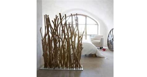 les cloisons en bois flotte decoratives  chaleureuses