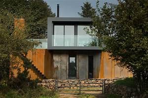 Container Haus Architekt : corten fassade von einem containerhaus auf dem lande in nordireland ~ Yasmunasinghe.com Haus und Dekorationen