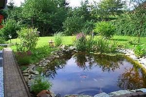 Kleine Gartenteiche Beispiele : gartenteiche gestalten ~ Whattoseeinmadrid.com Haus und Dekorationen