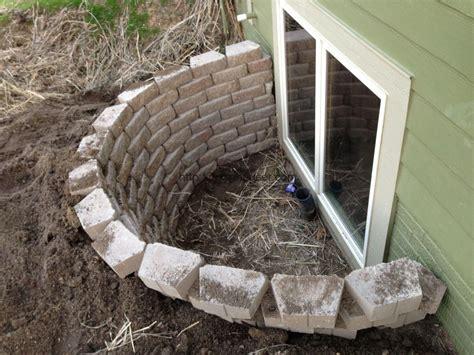 Basement Window Well Covers Lowes 14013 Window Wells