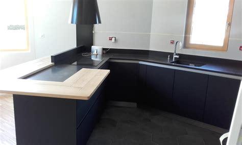 plan de travail cuisine en granit prix cuisine moderne gris anthracite mat et bois massif