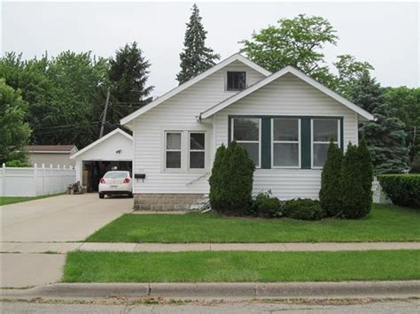 Bungalow For Sale In Janesville, Wi