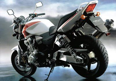 Modifikasi Motor New Megapro 2011 by Modifikasi Motor New Mega Pro 2011 New Car Concept