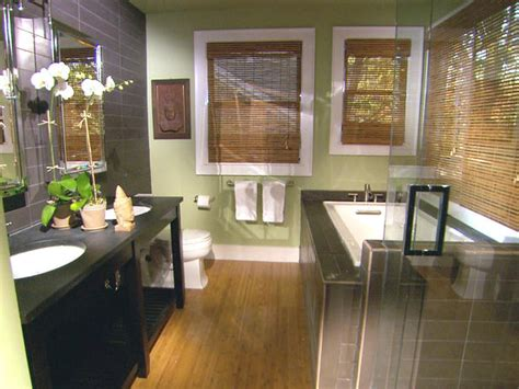 Hgtv Bathroom Makeover by 8 Bathroom Makeovers From Fave Hgtv Designers Bathroom