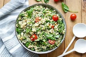 Salat Mit Spinat : quinoa salat mit spinat feta rezept einfach gesund elle republic ~ Orissabook.com Haus und Dekorationen