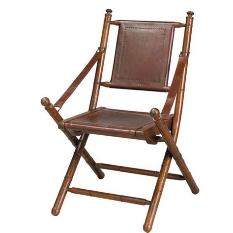 chaise en cuir marron chaise en croûte de cuir et teck massif marron masai