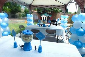 Disney Frozen Party Decoration Ideas - Two Sisters Crafting
