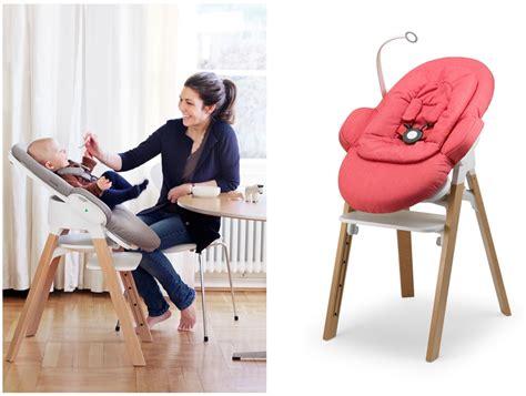 chaise bebe a fixer sur la table un noël magique chez stokke et la toute nouvelle stokke