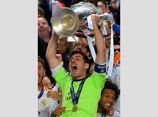 Iker Casillas celebrates with son Martin after Real Madrid