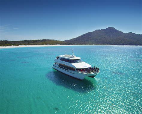 Bay Lounge Boat Cruise by Wineglass Bay Vista Lounge Cruise