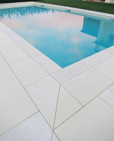 piastrelle bordo piscina pavimentazione per bordo piscina