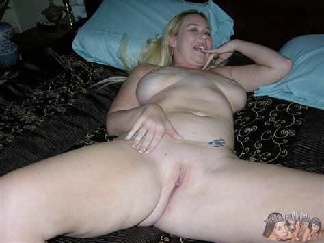 Busty Blonde Amateur Lylah Shows Off Her Curvy Nude Body
