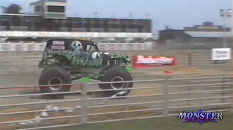 grave digger monster truck youtube grave digger monster truck salinas ca 1994 youtube