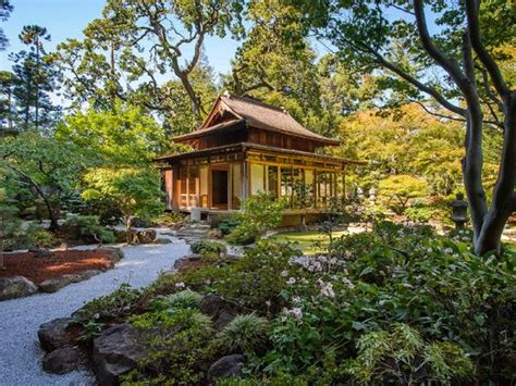 Asian Home : Japanese Traditional House Exterior Traditional Japanese