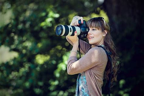 lensa lensa  biasanya digunakan fotografer wedding