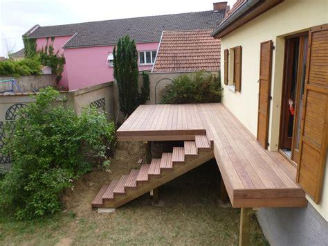 terrasse surelevee en bois conception fournitures et pose de terrasses sur pilotis en bois en alsace 224 strasbourg