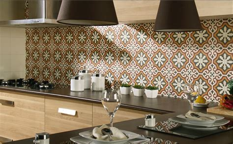 comptoir de cuisine blanc carrelage aspect carreau ciment 20x20 décor et frise