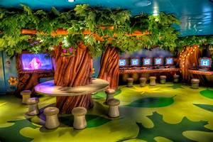Disney Dream – Oceaneer's Lab Kids Area | Matthew Paulson ...